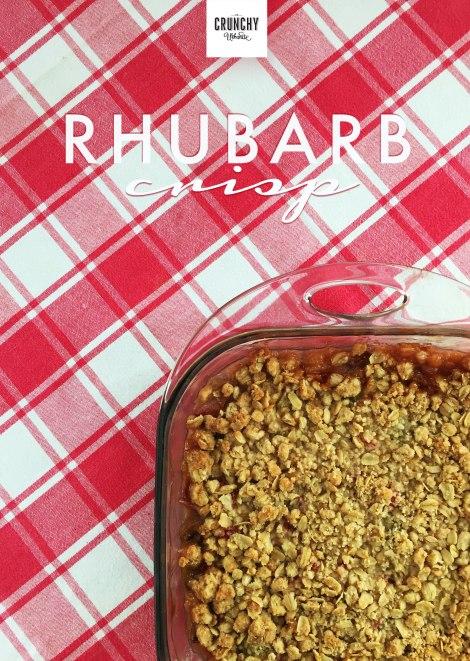 Rhubarb Crisp | thecrunchyurbanite.com
